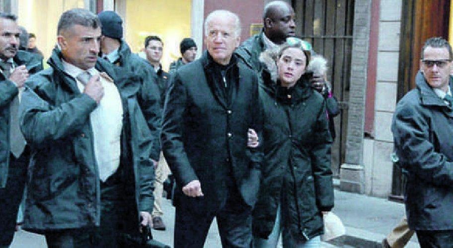https://www.ragusanews.com//immagini_articoli/20-11-2020/biden-compie-anni-sara-presidente-anziano-500.jpg