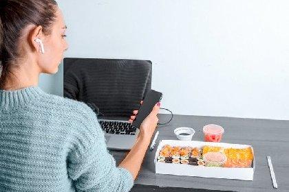 https://www.ragusanews.com//immagini_articoli/20-11-2020/covid-ecco-la-dieta-da-seguire-post-ricovero-e-per-i-sintomatici-a-casa-280.jpg