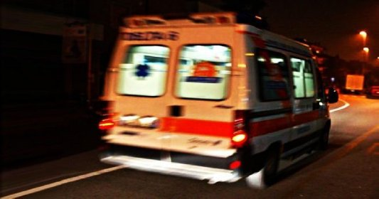 https://www.ragusanews.com//immagini_articoli/20-11-2020/dimessa-dall-ospedale-ruba-l-ambulanza-per-tornare-a-casa-280.jpg