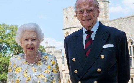 https://www.ragusanews.com//immagini_articoli/20-11-2020/la-regina-elisabetta-ii-e-filippo-73-anni-di-matrimonio-in-isolamento-280.jpg