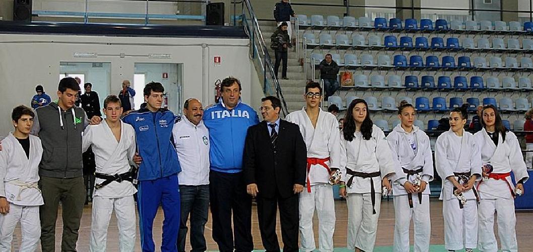 https://www.ragusanews.com//immagini_articoli/20-12-2013/judo-i-risultati-di-fine-anno-per-la-koizumi-500.jpg