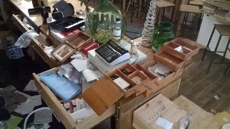 http://www.ragusanews.com//immagini_articoli/20-12-2016/furto-da-40-mila-euro-rubati-anche-i-prodotti-per-bambini-420.jpg