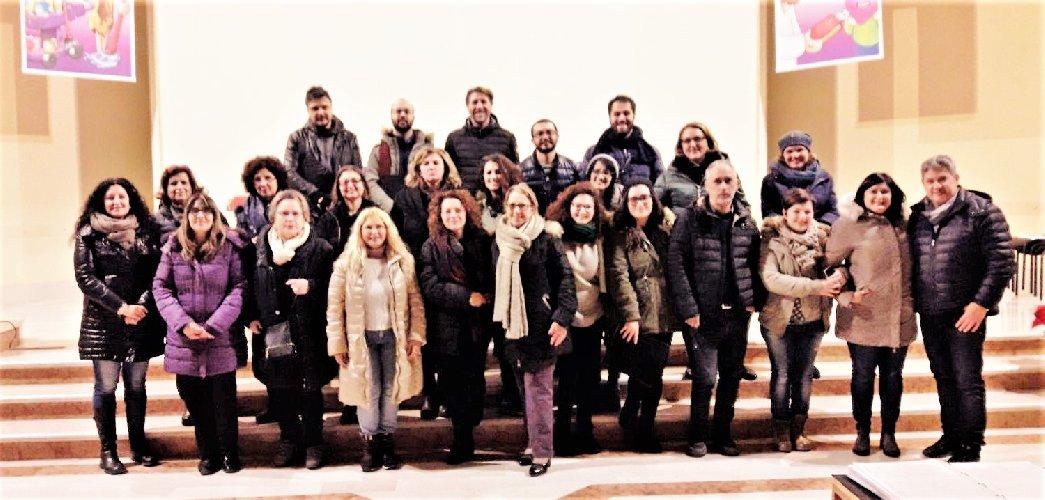 http://www.ragusanews.com//immagini_articoli/20-12-2017/concerto-natale-memoria-giusy-alfieri-500.jpg