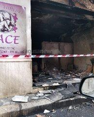 https://www.ragusanews.com//immagini_articoli/20-12-2019/incendio-di-natura-ancora-non-chiara-ai-danni-di-unagenzia-di-pompe-funebri-a-comiso-video-240.jpg