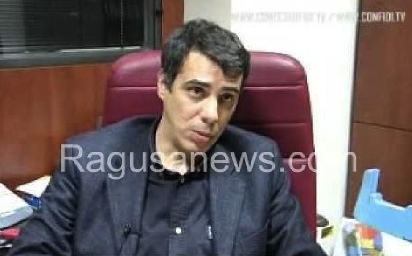 http://www.ragusanews.com//immagini_articoli/21-01-2014/camera-di-commercio-si-e-insediato-roberto-rizzo-500.jpg