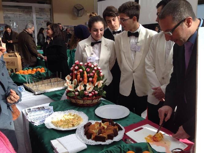 http://www.ragusanews.com//immagini_articoli/21-01-2014/orientamedia-a-catania-500.jpg