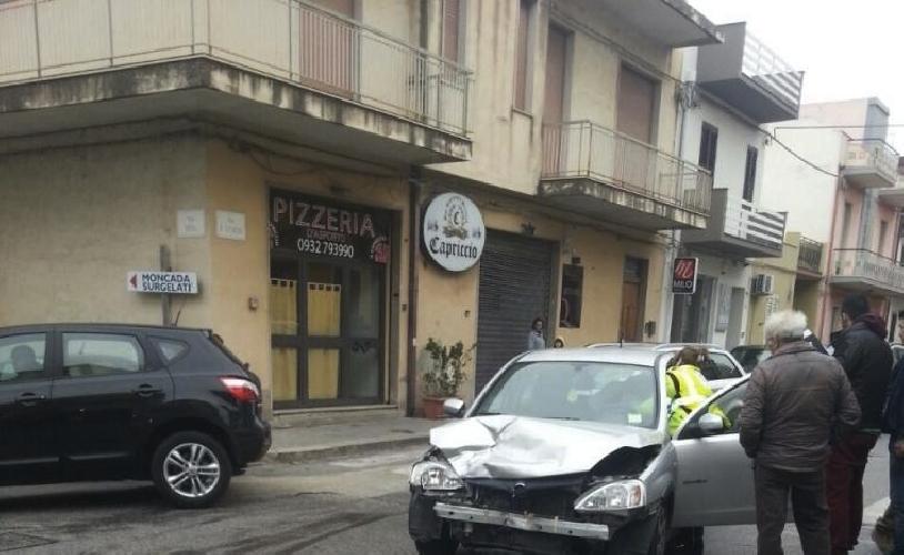 https://www.ragusanews.com//immagini_articoli/21-01-2015/ispica-incidente-con-due-feriti-500.jpg