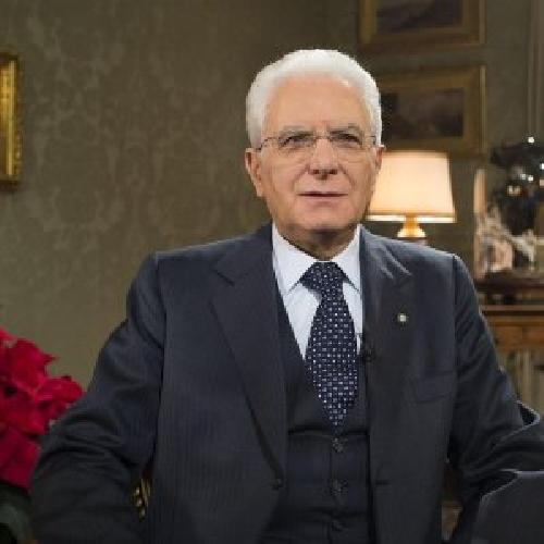 http://www.ragusanews.com//immagini_articoli/21-01-2016/mattarella-nomina-cavaliere-paolo-borrometi-500.jpg