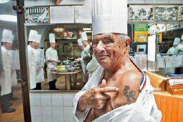 http://www.ragusanews.com//immagini_articoli/21-01-2018/morto-paul-bocuse-gualtiero-marchesi-francese-240.jpg