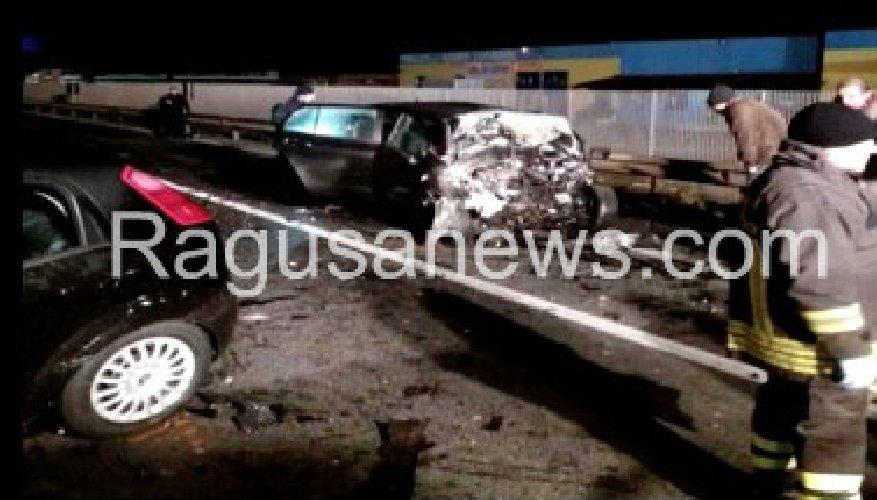 https://www.ragusanews.com//immagini_articoli/21-01-2019/foto-incidente-sono-morti-rosolinesi-500.jpg