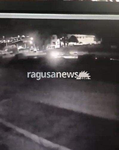 https://www.ragusanews.com//immagini_articoli/21-01-2019/video-scontro-costato-vita-rosolinesi-500.jpg