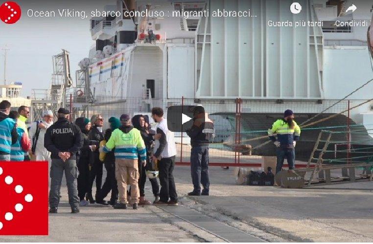 https://www.ragusanews.com//immagini_articoli/21-01-2020/a-pozzallo-i-39-migranti-ocean-viking-la-lega-non-sono-profughi-500.jpg