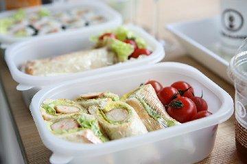 https://www.ragusanews.com//immagini_articoli/21-01-2020/la-dieta-lunch-box-per-la-pausa-pranzo-in-ufficio-240.jpg