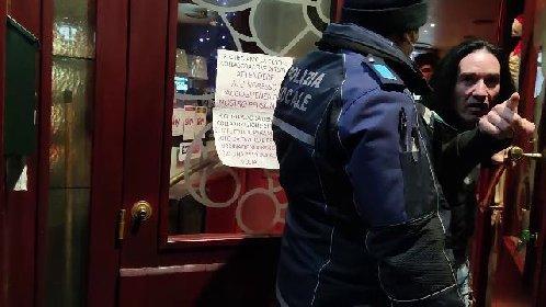 https://www.ragusanews.com//immagini_articoli/21-01-2021/giornalista-aggredito-40-poliziotti-per-chiudere-il-pub-ribelle-video-280.jpg