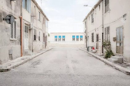 https://www.ragusanews.com//immagini_articoli/21-01-2021/scicli-villaggio-aldisio-il-non-luogo-della-sicilia-280.jpg