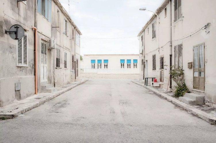 https://www.ragusanews.com//immagini_articoli/21-01-2021/scicli-villaggio-aldisio-il-non-luogo-della-sicilia-500.jpg