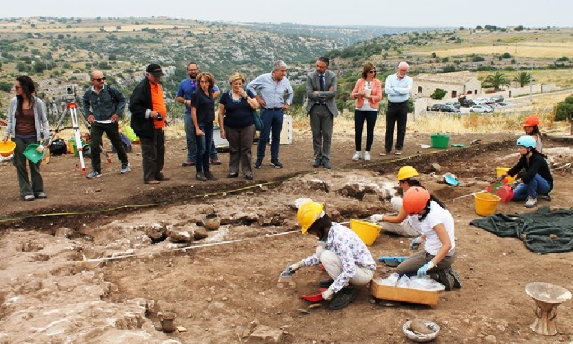 http://www.ragusanews.com//immagini_articoli/21-02-2016/appuntamenti-con-l-archeologia-500.jpg