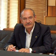 https://www.ragusanews.com//immagini_articoli/21-02-2018/forza-italia-candidato-sindaco-ragusa-salvo-mallia-240.jpg