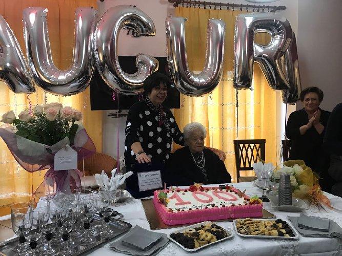https://www.ragusanews.com//immagini_articoli/21-02-2018/ragusa-giuseppa-migliorisi-festeggia-anni-500.jpg