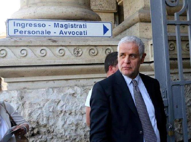 https://www.ragusanews.com//immagini_articoli/21-02-2019/formigoni-carcere-sentenza-definitiva-500.jpg