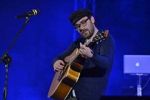 http://www.ragusanews.com//immagini_articoli/21-03-2017/ragusa-concerto-mario-incudine-200.jpg
