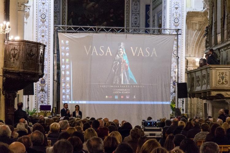 http://www.ragusanews.com//immagini_articoli/21-03-2017/vasa-vasa-documentario-madonna-modica-500.jpg