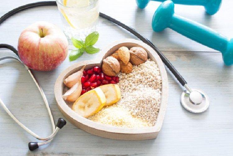 https://www.ragusanews.com//immagini_articoli/21-03-2018/colesterolo-alto-contrastarlo-bastano-statine-500.jpg