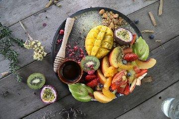 https://www.ragusanews.com//immagini_articoli/21-03-2019/mango-frutta-esotica-proprieta-benefici-per-salute-240.jpg