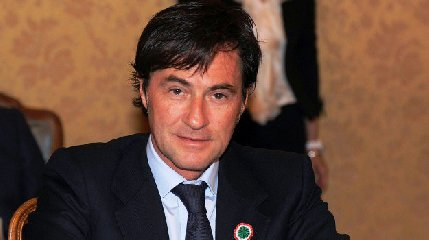 https://www.ragusanews.com//immagini_articoli/21-03-2019/massoneria-arresti-sicilia-presidente-ars-francesco-cascio-240.jpg