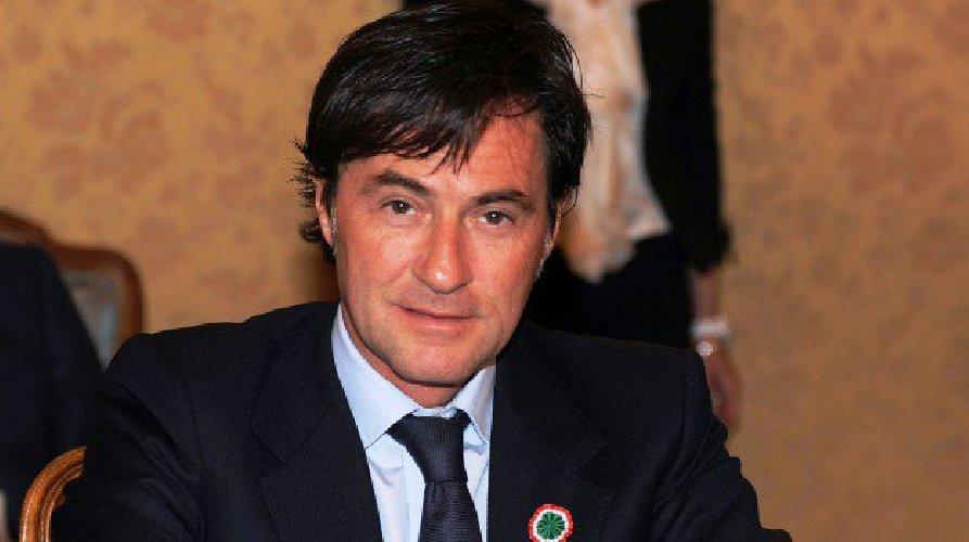 https://www.ragusanews.com//immagini_articoli/21-03-2019/massoneria-arresti-sicilia-presidente-ars-francesco-cascio-500.jpg