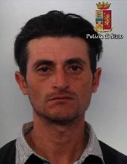 http://www.ragusanews.com//immagini_articoli/21-04-2016/saccheggiavano-l-ex-cooperativa-rinascita-arrestati-240.jpg
