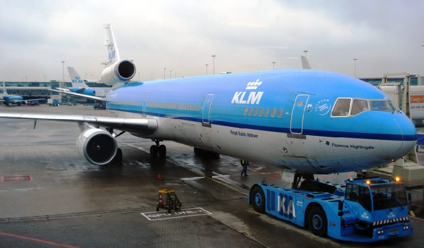 http://www.ragusanews.com//immagini_articoli/21-04-2017/compagnia-olandese-prima-volta-atterra-catania-500.jpg