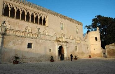 http://www.ragusanews.com//immagini_articoli/21-04-2017/ragusa-orari-castello-donnafugata-240.jpg