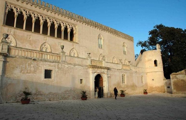http://www.ragusanews.com//immagini_articoli/21-04-2017/ragusa-orari-castello-donnafugata-500.jpg