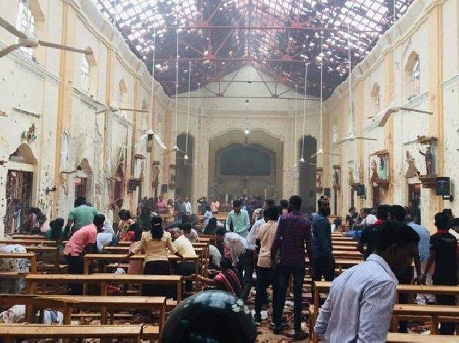 Sri Lanka, esplosioni in chiese e hotel; vittime e decine di feriti