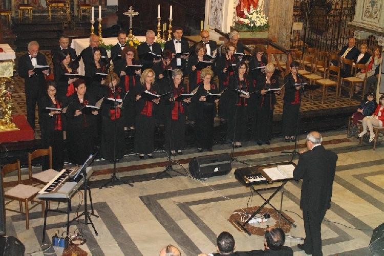 https://www.ragusanews.com//immagini_articoli/21-05-2014/concerto-del-coro-monteverdi-il-24-maggio-500.jpg
