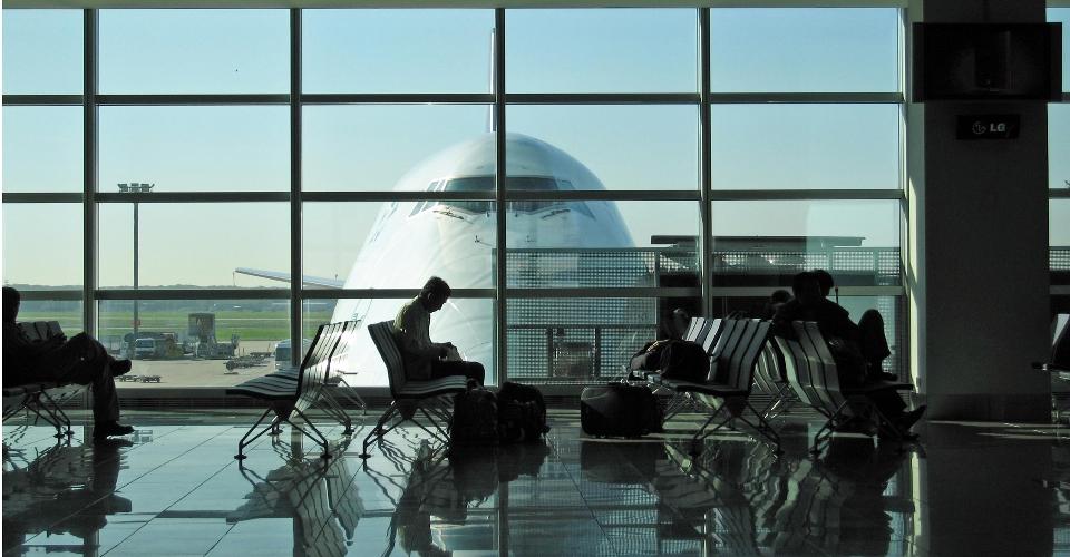 Vento forte all aeroporto di Catania scalo aperto