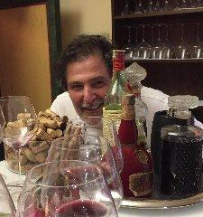https://www.ragusanews.com//immagini_articoli/21-05-2018/carlo-sichel-sbotto-basta-show-torniamo-cucinare-240.jpg