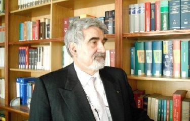 https://www.ragusanews.com//immagini_articoli/21-05-2019/evasione-fiscale-libero-il-papa-sindaco-di-catania-pogliese-240.jpg