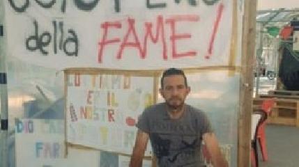 http://www.ragusanews.com//immagini_articoli/21-06-2017/fabrizio-licitra-sospende-sciopero-fame-240.jpg