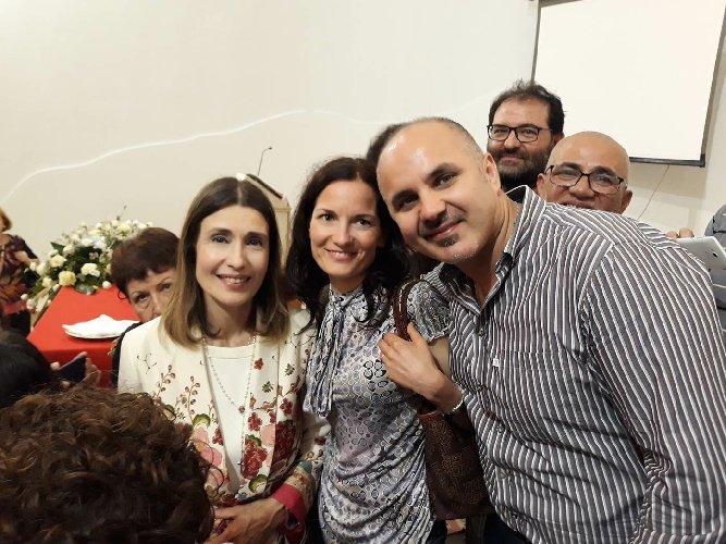 https://www.ragusanews.com//immagini_articoli/21-06-2018/claudia-koll-rosolini-racconto-conversione-500.jpg