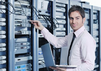 https://www.ragusanews.com//immagini_articoli/21-06-2018/ricerca-programmatoresistemista-gestione-server-240.png