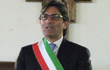 https://www.ragusanews.com//immagini_articoli/21-06-2018/rosolini-sindaco-uscente-errore-resto-fino-2020-240.jpg