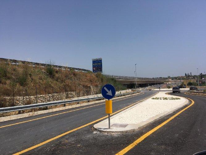 https://www.ragusanews.com//immagini_articoli/21-06-2019/la-noto-pachino-aperta-al-traffico-dopo-8-anni-500.jpg