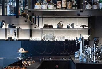 https://www.ragusanews.com//immagini_articoli/21-06-2020/1592753687-a-messina-l-ex-bar-bille-guidato-da-chef-la-mantia-4-240.jpg