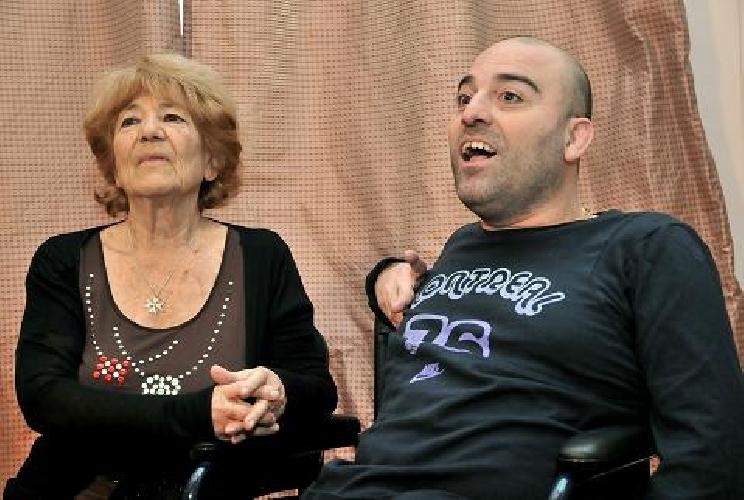 https://www.ragusanews.com//immagini_articoli/21-07-2014/premio-mamma-speciale-a-lucia-frisione-500.jpg