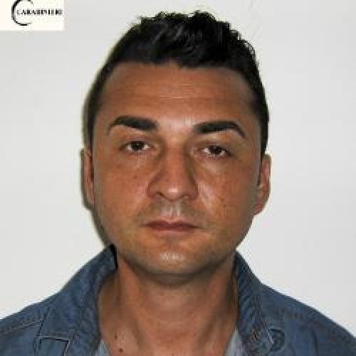 http://www.ragusanews.com//immagini_articoli/21-07-2015/arrestato-a-pozzallo-vincenzo-locorotondo-500.jpg