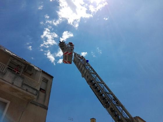 https://www.ragusanews.com//immagini_articoli/21-07-2016/uomo-in-sovrappeso-intervengono-i-vigili-del-fuoco-420.jpg