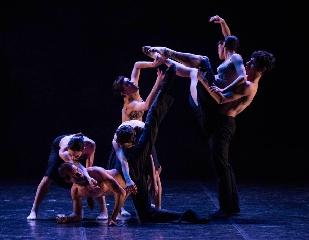 http://www.ragusanews.com//immagini_articoli/21-07-2017/danzart-festival-parte-tango-argentino-240.jpg