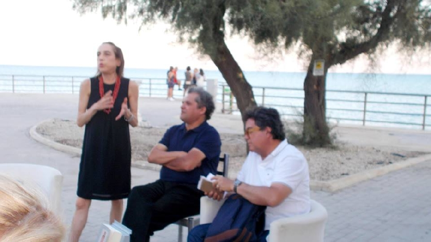 https://www.ragusanews.com//immagini_articoli/21-07-2017/mediterraneo-oltre-jihad-libro-500.jpg